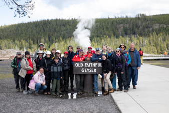 old-faithful-group-Thumb